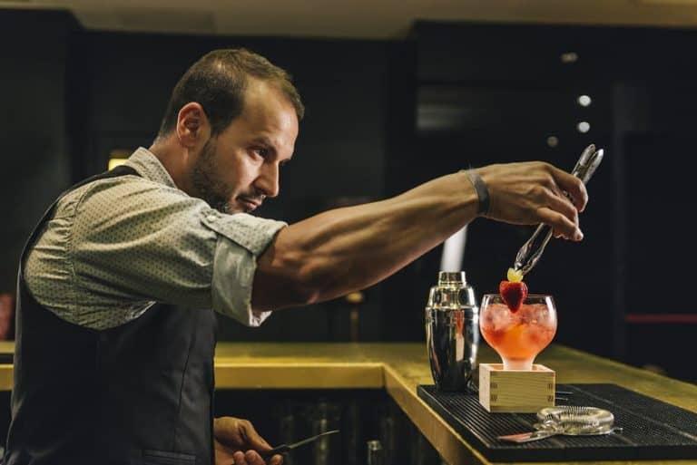 trovare-lavoro-come-barman-le-opportunita-per-i-piu-qualificati