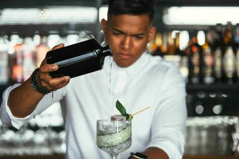 Lavorare-come-Barman-a-Dubai