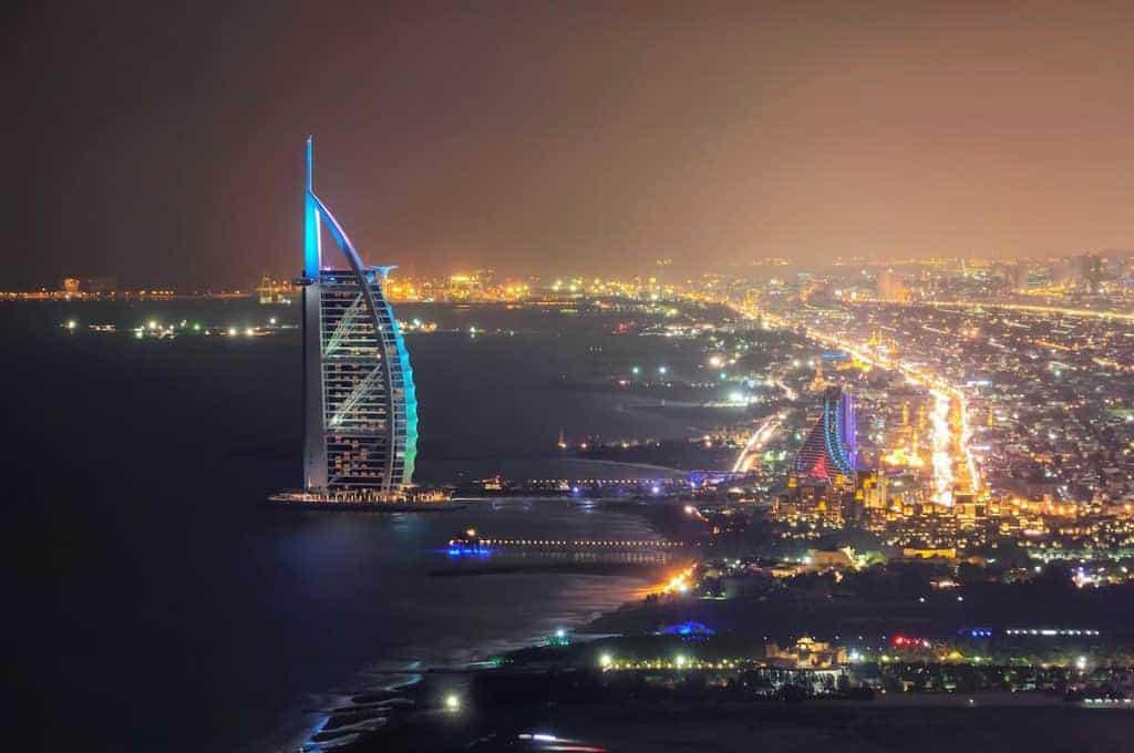 lavorare-a-Dubai-come-barman